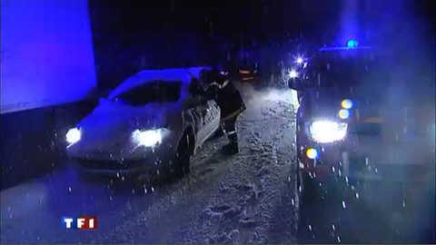 Neige sur l'A47 : bloqués une nuit dans leur véhicule