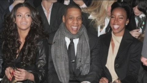 News: Kelly Rowland offre une baignoire Swarovski pour le bébé de Beyoncé et Jay-Z