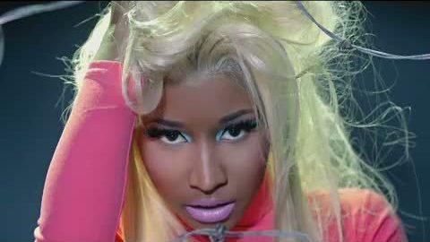 Nicki Minaj - Beez In The Trap (2012)