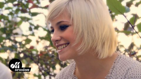 """OFF SESSION - Pixie Lott: """"All About Tonight"""""""