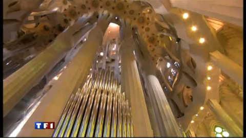 Le pape consacre la Sagrada Familia