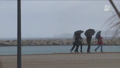 Les parapluies ont la côte à Marseille!