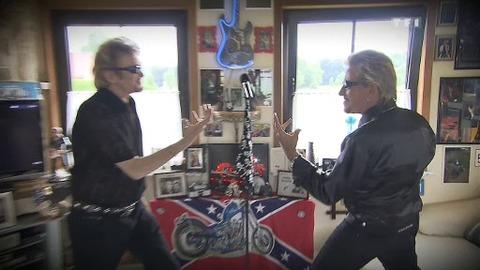 Pas vu à la télé : Les fans de Johnny en duo