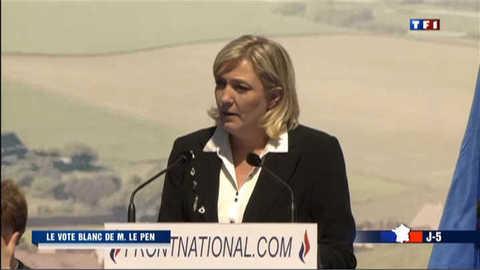 """Le Pen votera blanc dimanche et """"bleu marine en juin"""""""