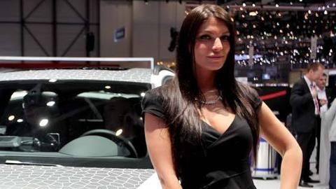Les plus belles hôtesses du Salon de Genève 2012