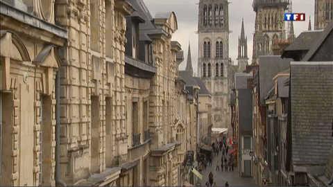 Les plus belles rue de France : la rue du Gros-Horloge