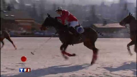 Le polo sur neige, un sport de contact