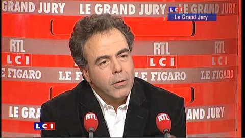 """Pour Chatel, Hollande c'est """"Babar le roi des éléphants"""""""