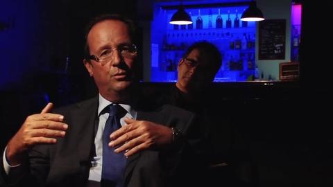 Le President Hollande dans le Cabinet des Curiosités