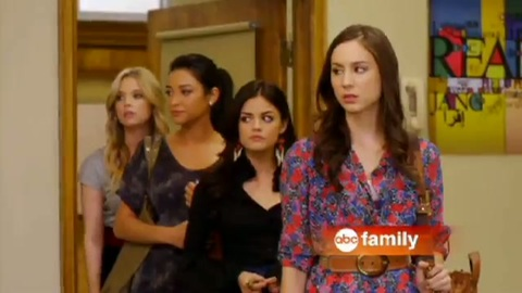 Pretty Little Liars - Nouvelle bande-annonce Saison 2 - All Eyes on the Liars