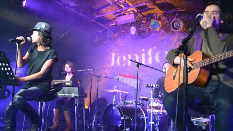 "Purefans Session : Jenifer avec Live ""Je Danse"""