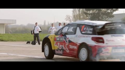 Quand Sébastien Loeb impressionne l'équipe de France de football