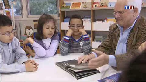 Quand les seniors transmettent leur amour des livres aux enfants