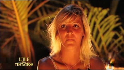 La reaction de Martha pendant le feu de camp 01 - Ile de la Tentation