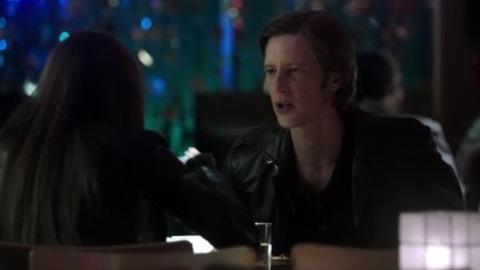 Revenge - 1x20 - Legacy - Extraits 1 à 3 de l'épisode