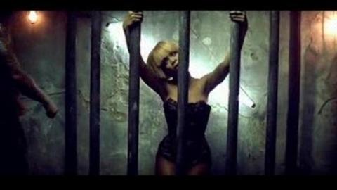 Rihanna - Disturbia (2008)