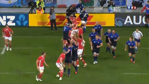 Rugby : les Bleus passent au rouge