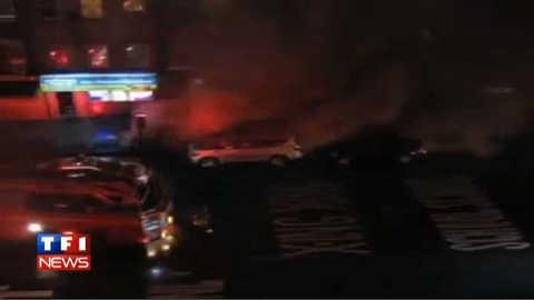 Sandy : la façade d'un immeuble s'écroule à New York, les images