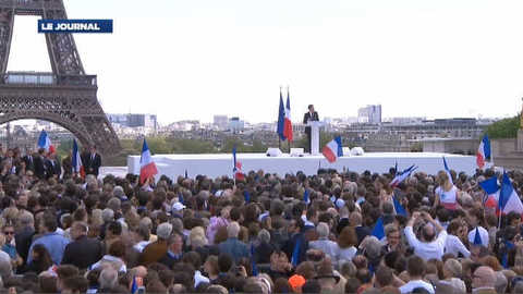 """Sarkozy aux syndicats: """"posez le drapeau rouge et servez la France"""""""