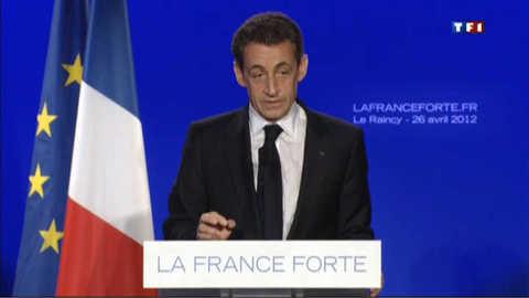 """Sarkozy pour une """"présomption de légitime défense"""" des policiers"""
