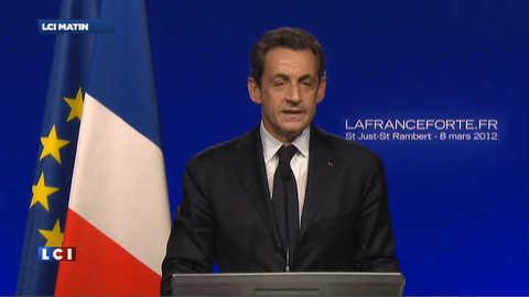 """Sarkozy promet à ses militans de """"s'engager avec passion et conviction"""""""
