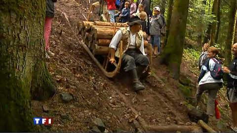 Le schlittage réunit les amoureux du travail du bois à l'ancienne