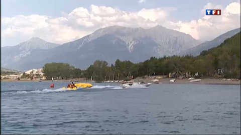 Serre-Ponçon, paradis des fans de sports nautiques