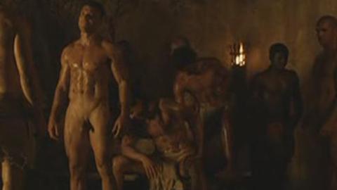 Spartacus: Manu Bennett nu dans l'épisode