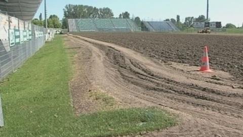 Le Stade Gabriel-Montpied fait pelouse neuve ! (Clermont)