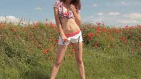 Strip tease dans les champs
