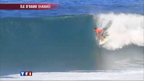 Surf : un Français bat la légende Kelly Slater