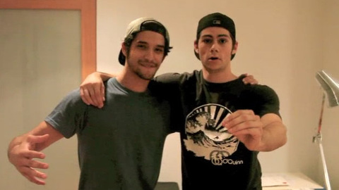 Teen Wolf - Tyler et Dylan veulent 2 millions de fans sur Facebook
