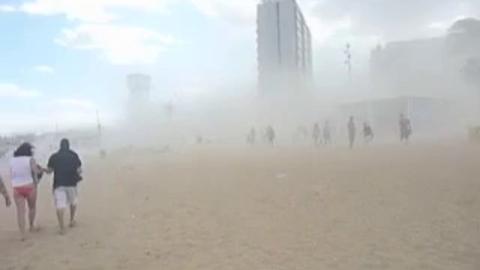 Une tempête de sable frappe Barcelone