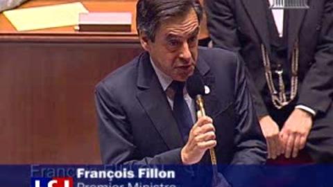 Tensions à l'Assemblée entre Hollande et Fillon