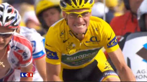 Tour de France : engouement populaire sur les Champs-Elysées