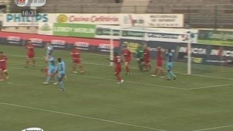 Tours fait match nul contre Grenoble (Foot L2)