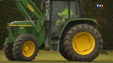 Un tracteur verbalisé à Paris pour stationnement illégal