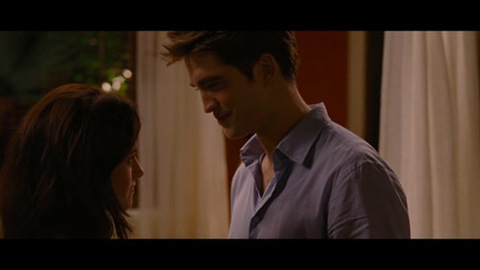 Twilight 4 - Révélation 1ère partie - Extrait en VF