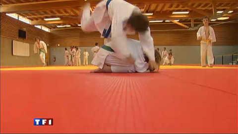 Vacances studieuses pour les jeunes accros du judo