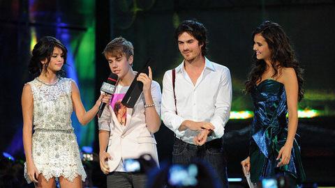 Vampire Diaries - Ian et Nina avec Justin Bieber et Selena Gomez aux Much Music Video Awards
