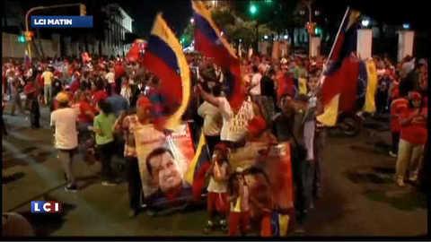 Venezuela : Hugo Chavez réélu, scène de liesse dans les rues