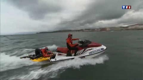 Du vent, des vagues, les sauveteurs en mer s'entraînent