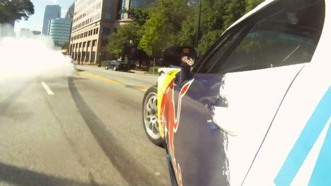 Vu sur le Web: Insolite, du drift en pleine rue à Atlanta (14/05/2011)