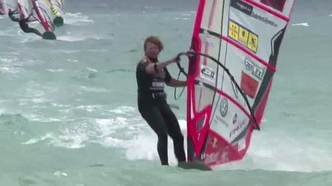 Windsurf Slalom PWA Catalunya : victoire d'Antoine Albeau dans 45 noeuds de Tramontane