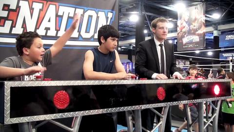 Wrestlemania 28 : Découvrez la suite du Fan Axxess avec Philippe et Christophe