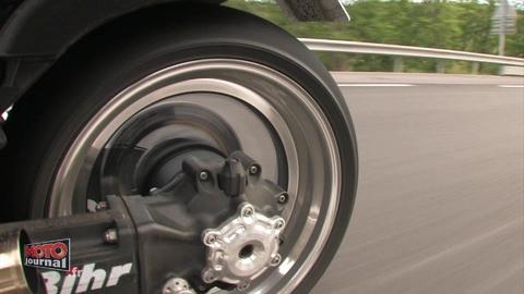 Yam 1700 Vmax 200 chevaux : pour faire fumer le pneu arrière